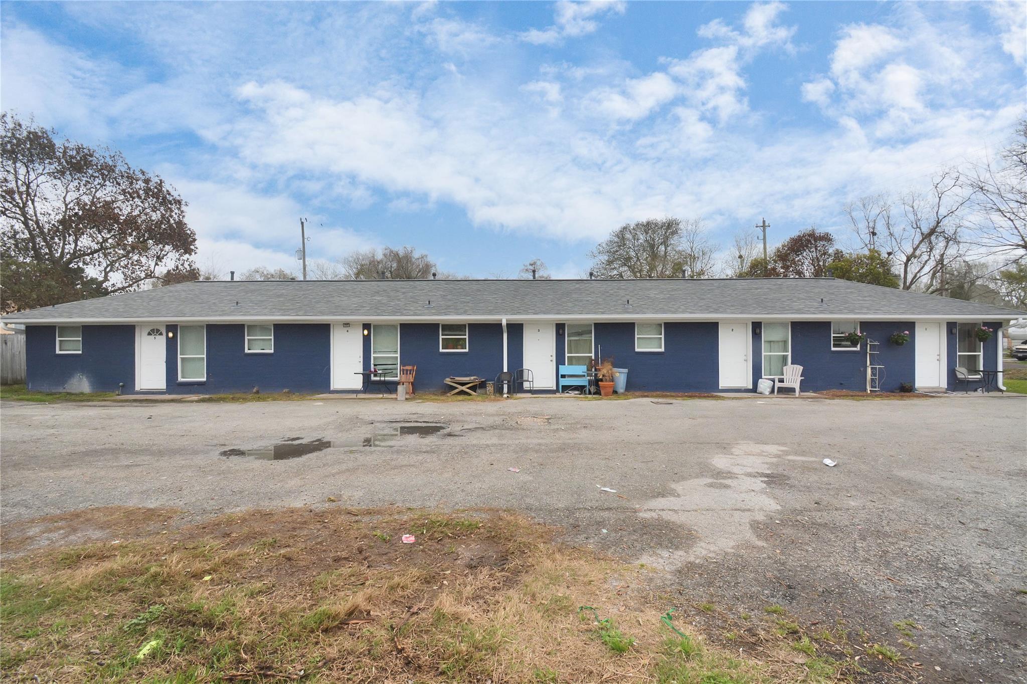 4806 6th Street Property Photo