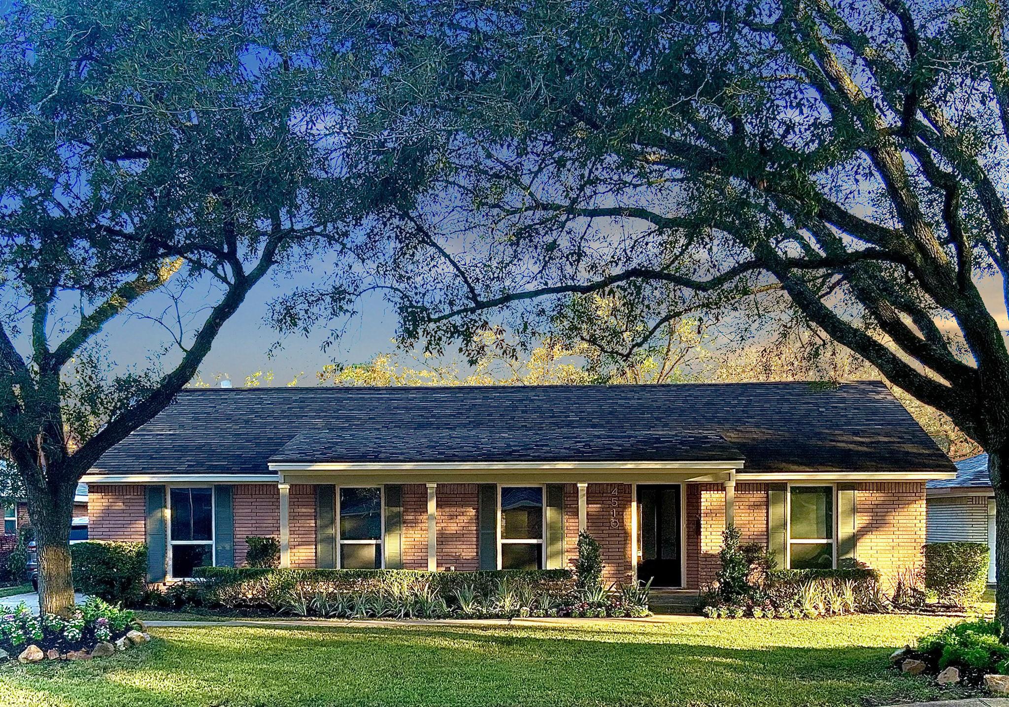 4510 Willowbend Boulevard Property Photo - Houston, TX real estate listing