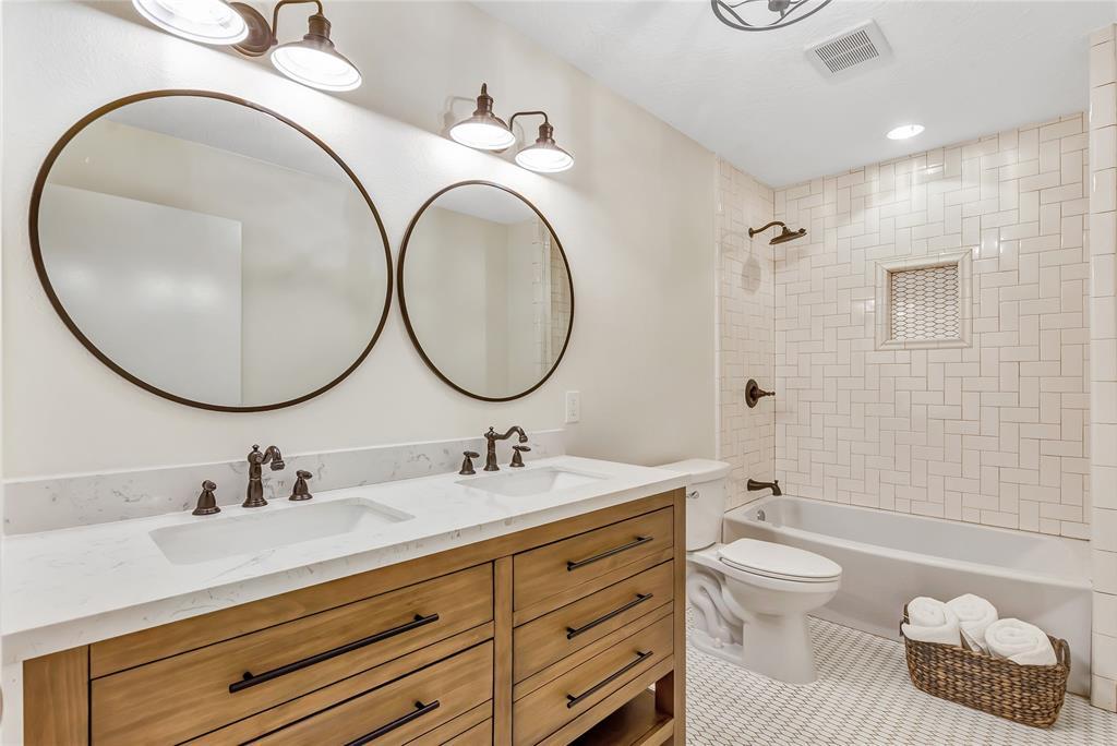 1422 Garden Road, Brookside, TX 77581 - Brookside, TX real estate listing