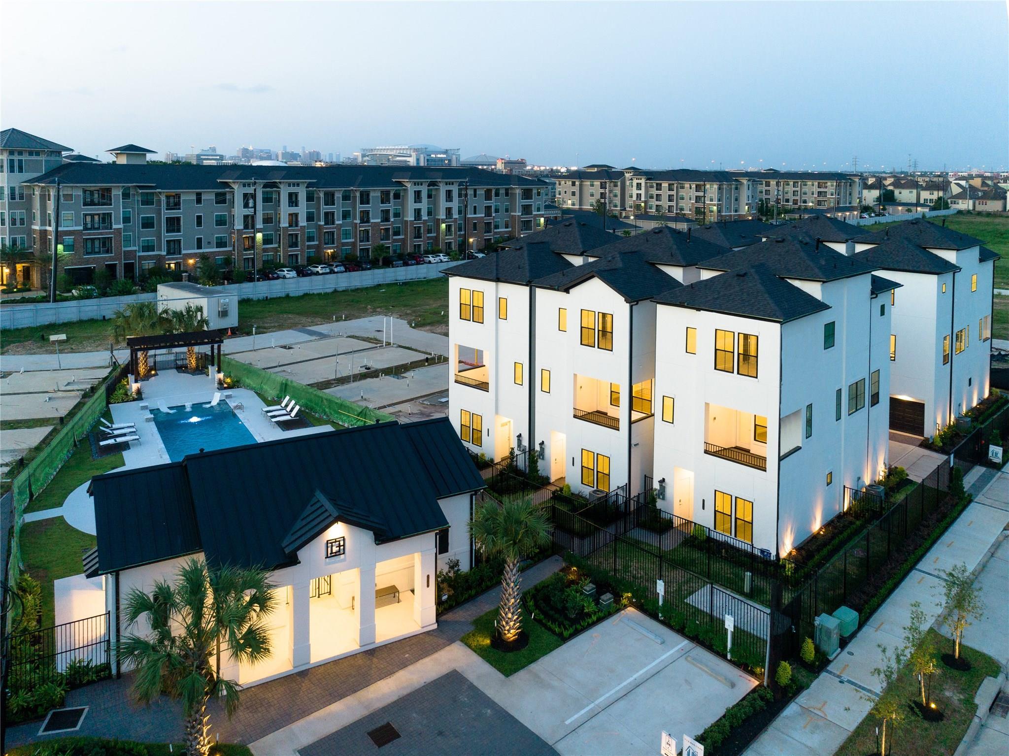 2810 Grand Fountains Drive #E Property Photo - Houston, TX real estate listing