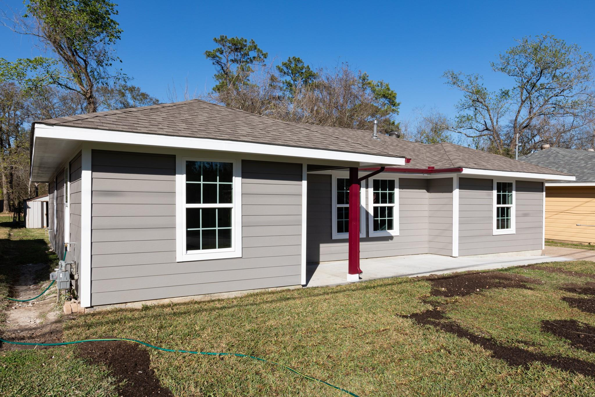 9301 Lake Forest Boulevard Property Photo