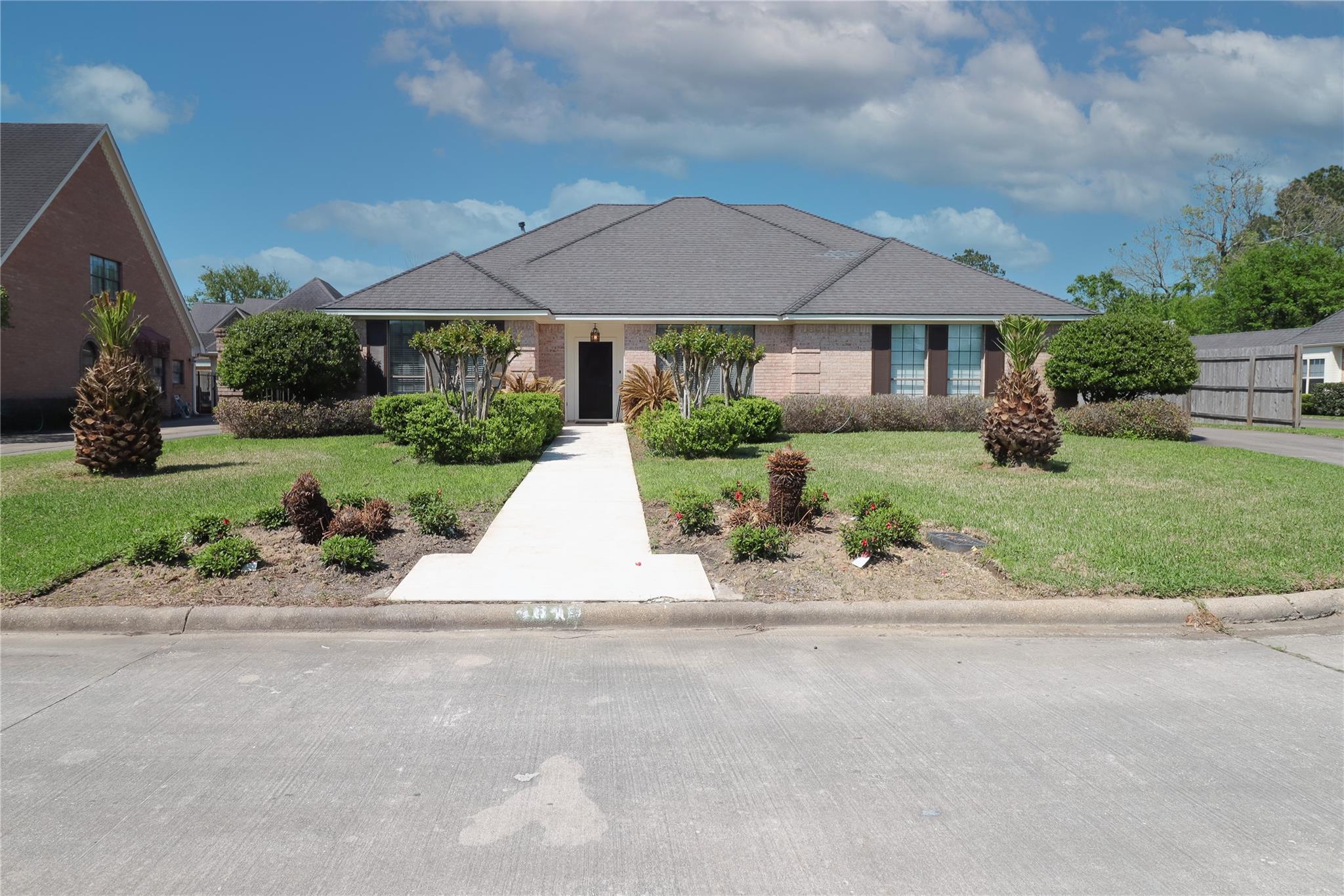 4840 Elmwood Lane Property Photo