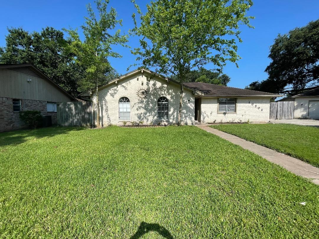 10306 Twin Hills Court Property Photo