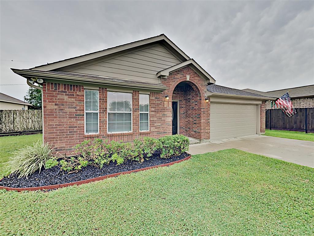 310 Texas Avenue Property Photo - Arcola, TX real estate listing
