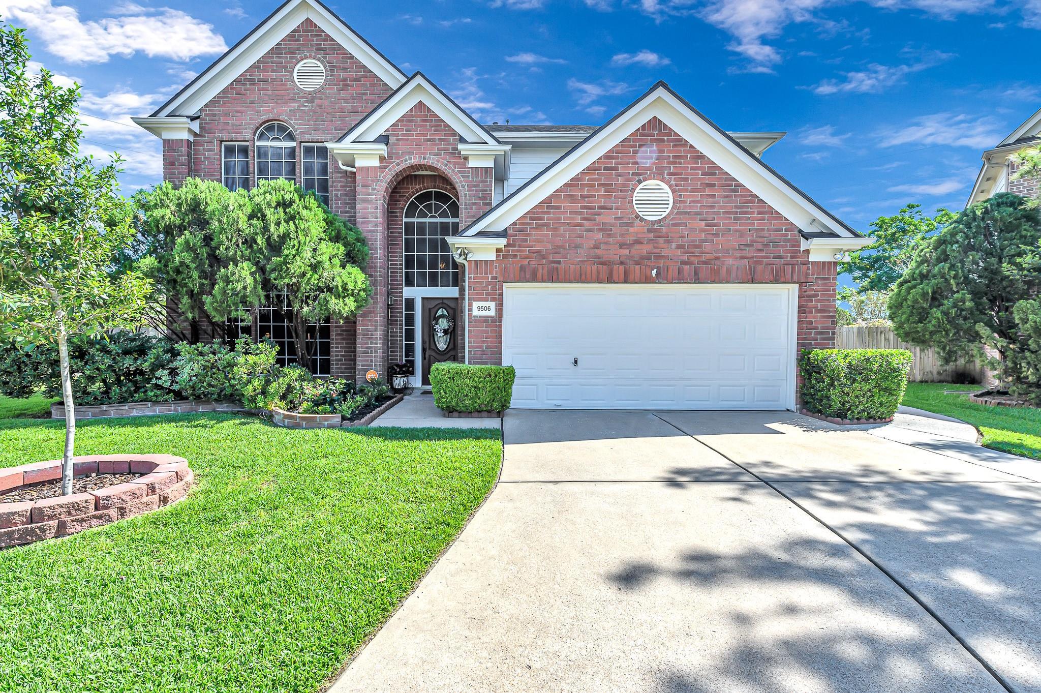 9506 Bending Willow Lane Property Photo