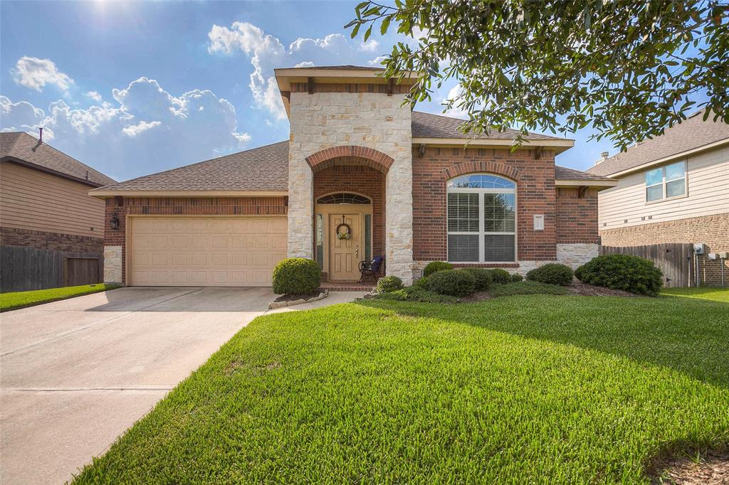 11006 Sir Alex Drive Property Photo - Tomball, TX real estate listing