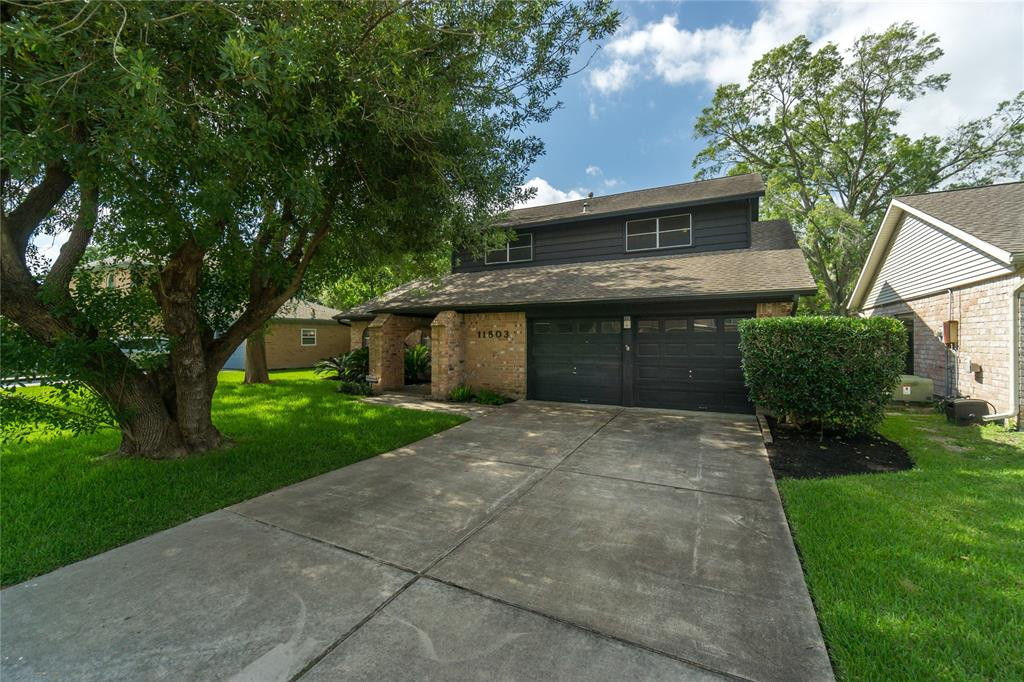11803 Dorrance Lane Property Photo - Meadows Place, TX real estate listing