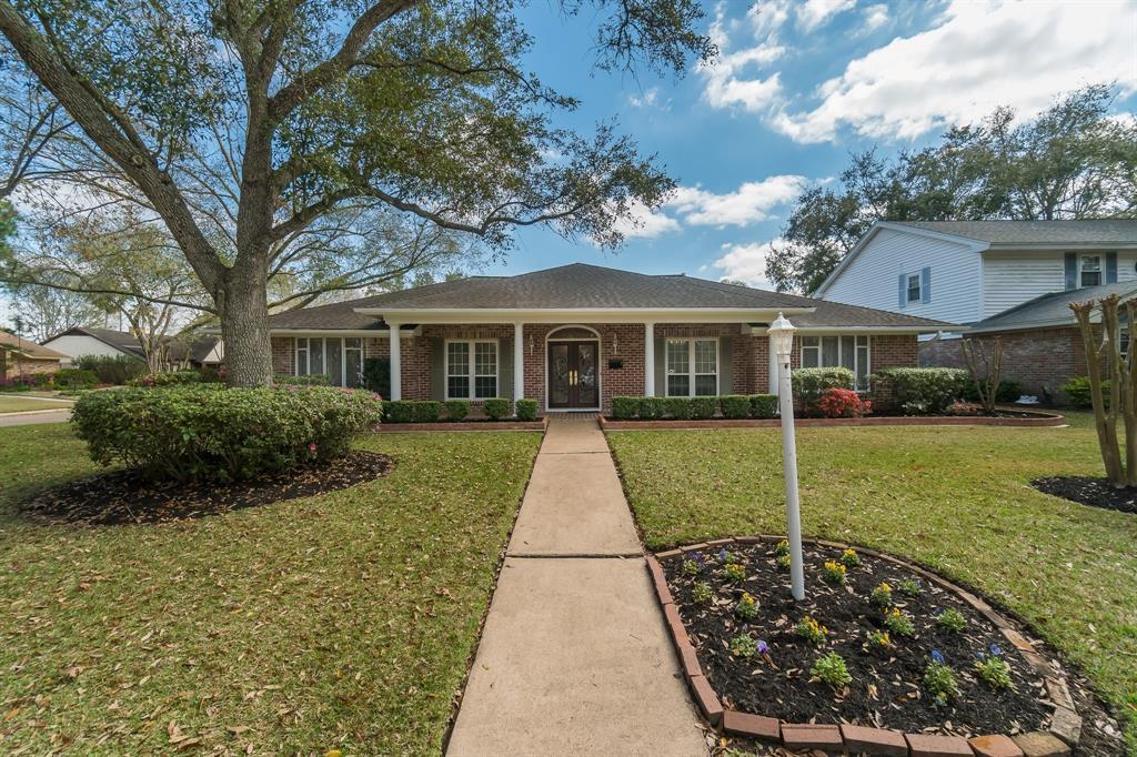 1914 Silver Bank Court, Nassau Bay, TX 77058 - Nassau Bay, TX real estate listing