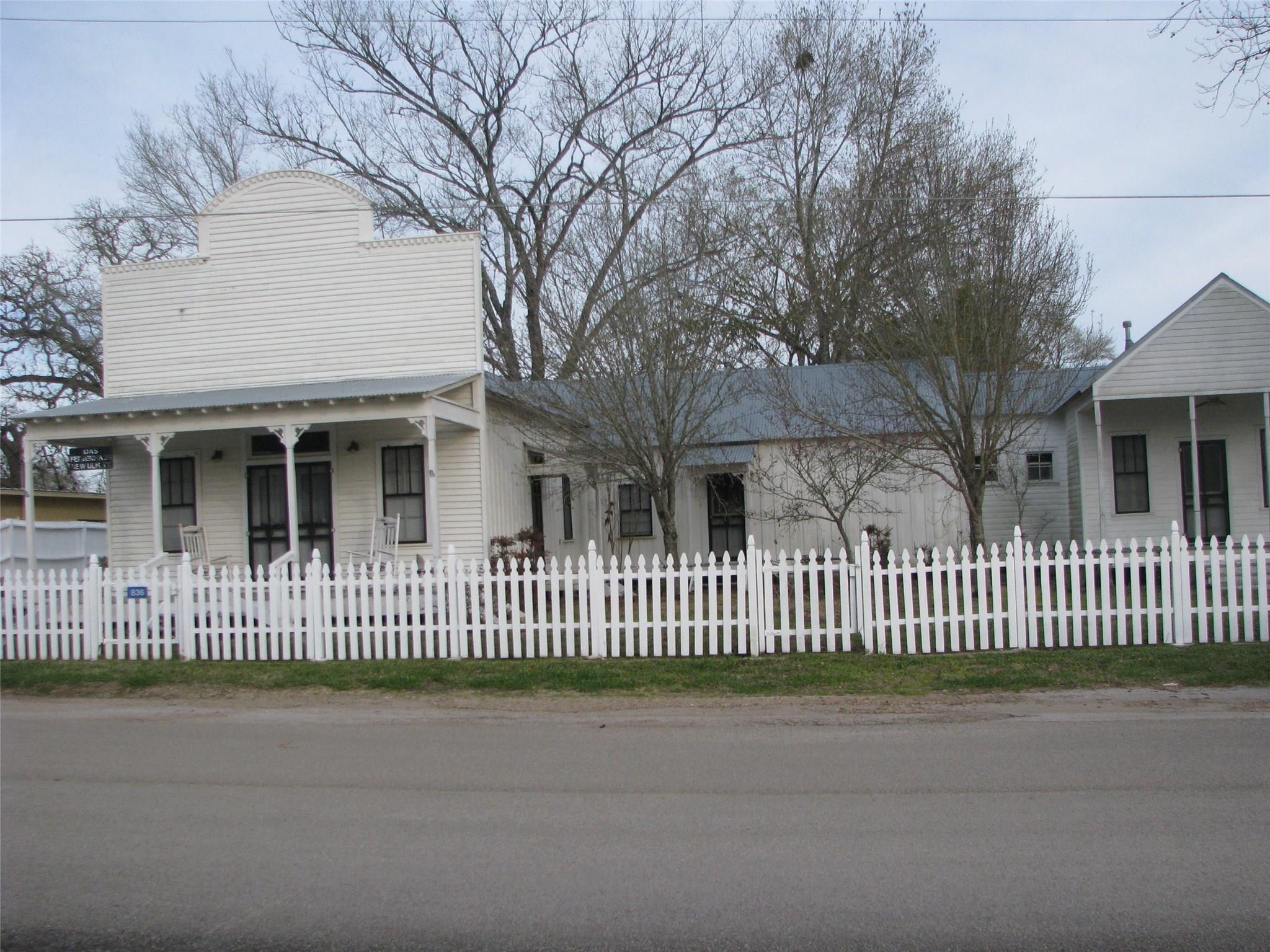 836 Pecan Street Property Photo