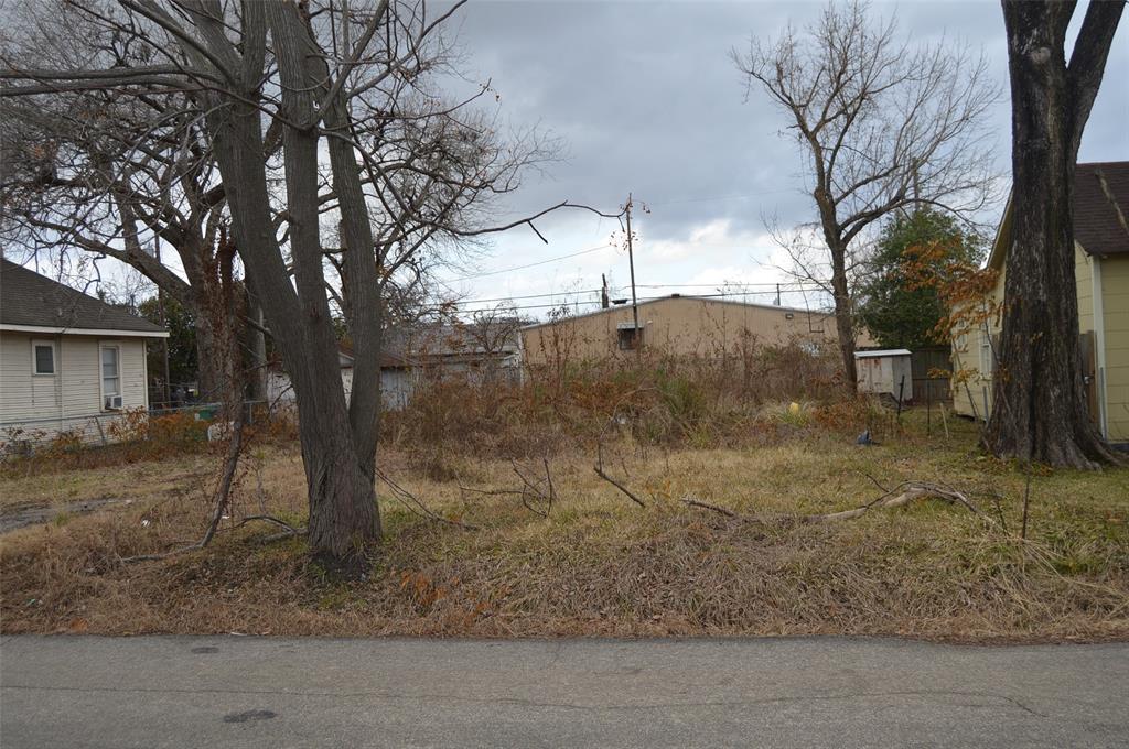 113 E 27th Street Property Photo