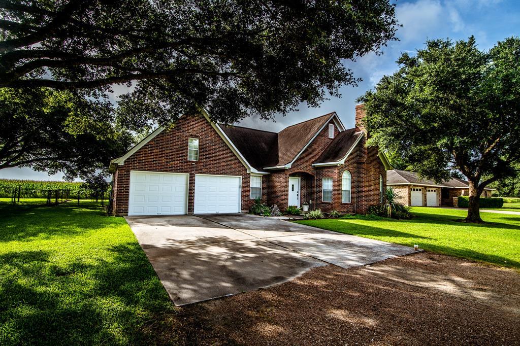 514 Lakeview Drive, Wallis, TX 77485 - Wallis, TX real estate listing