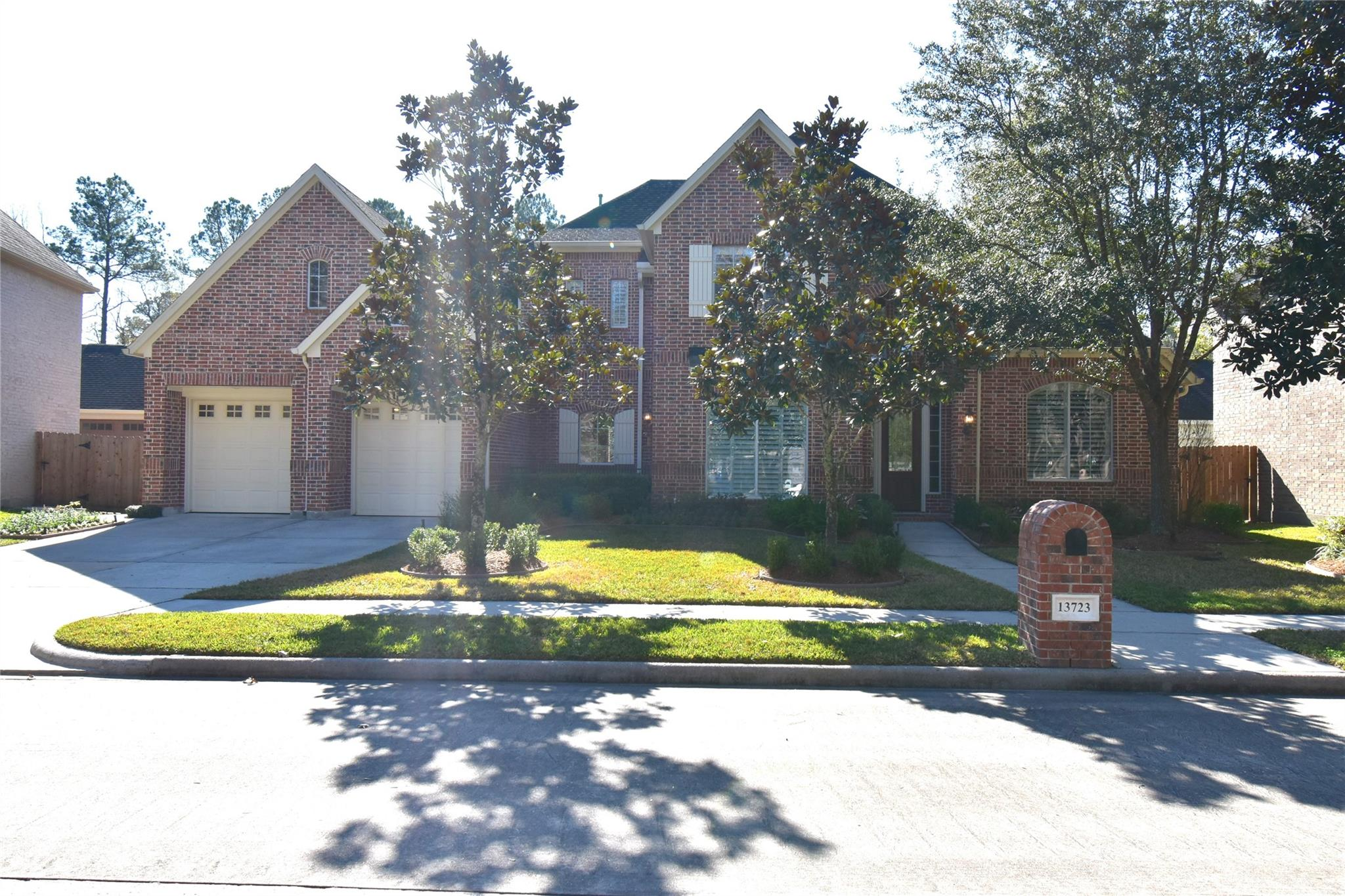 13723 Greenwood Lane S Property Photo - Houston, TX real estate listing