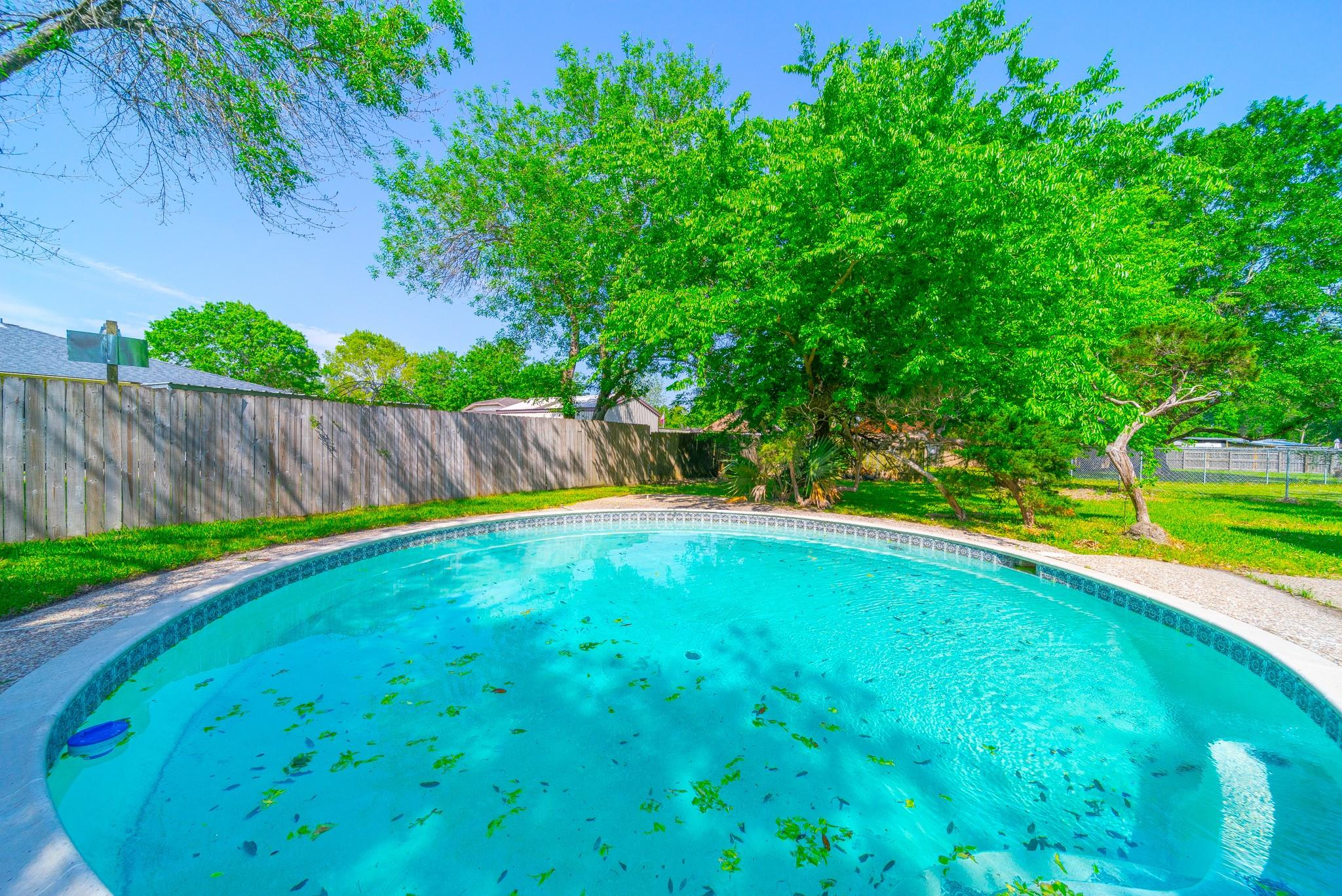8611 Fern Circle Property Photo - Highlands, TX real estate listing