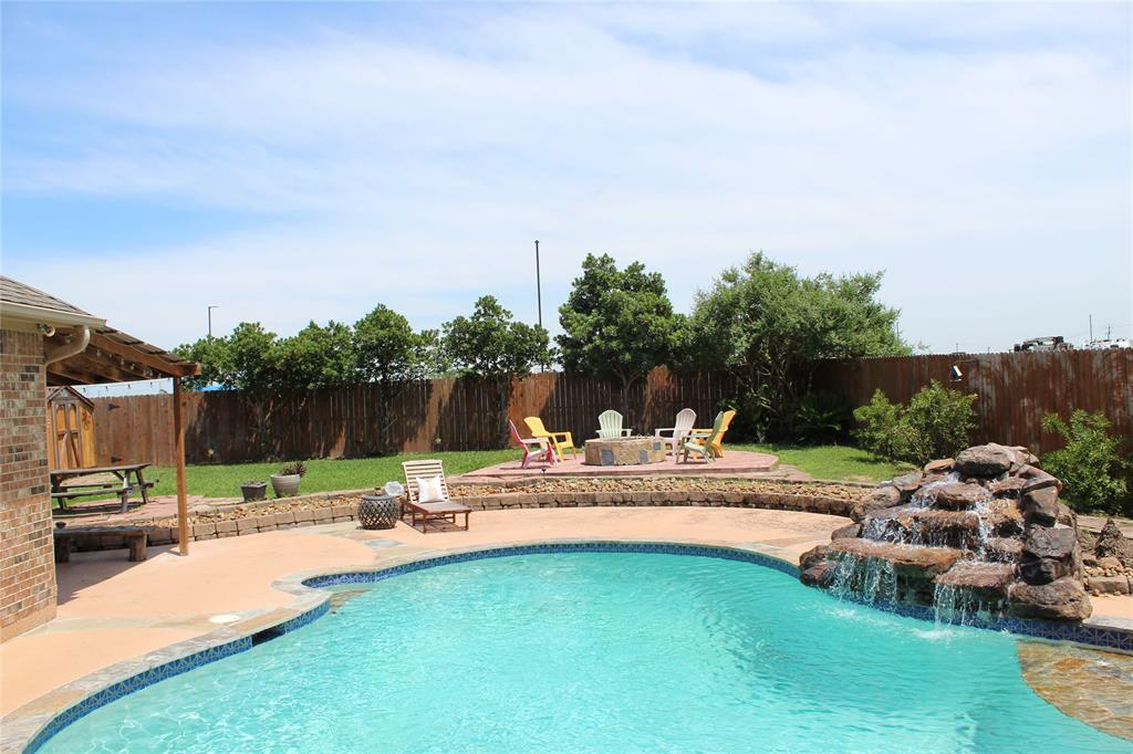 2806 Santa Fe Trail Property Photo - Deer Park, TX real estate listing