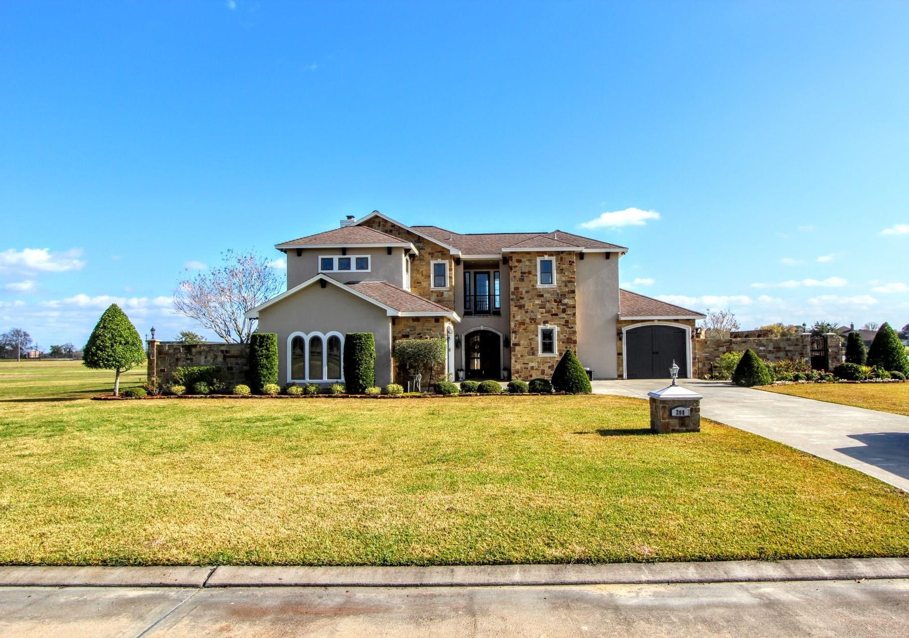 208 Legends Way Property Photo - El Campo, TX real estate listing