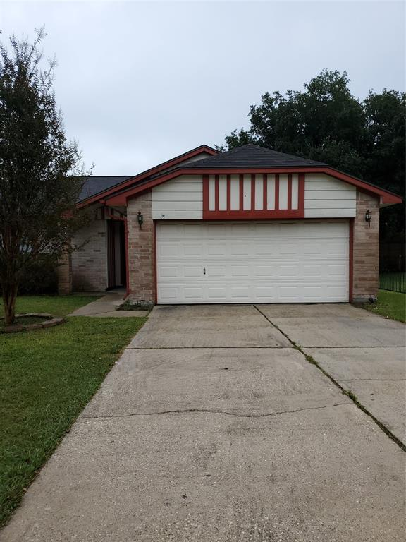 10915 Fallbrook Drive Property Photo - Houston, TX real estate listing