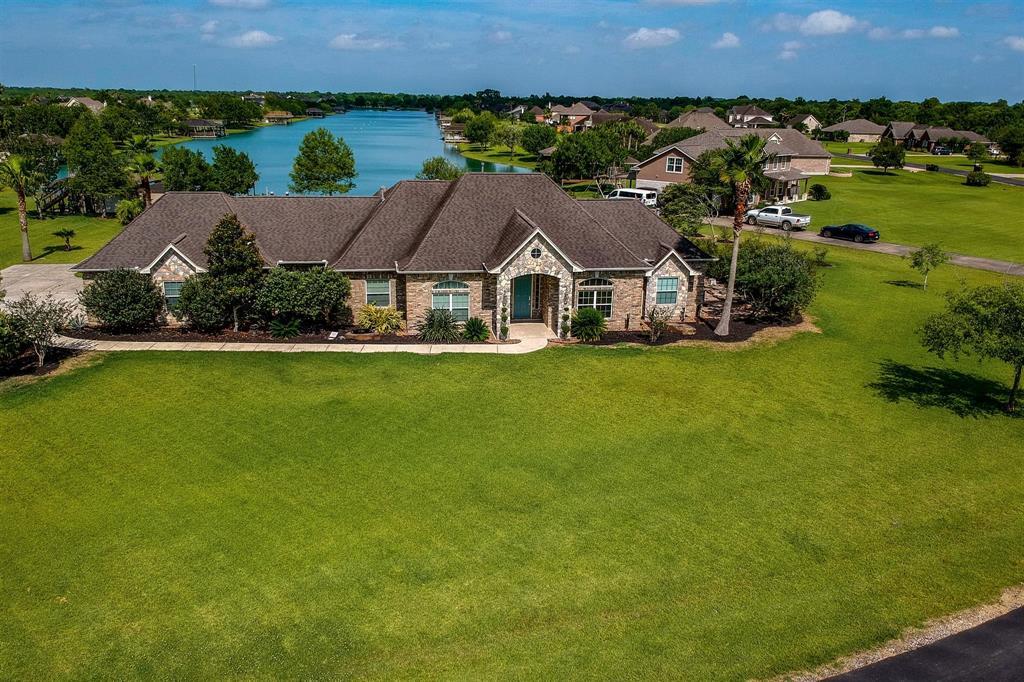 422 N Lago Circle Drive N Property Photo - Santa Fe, TX real estate listing