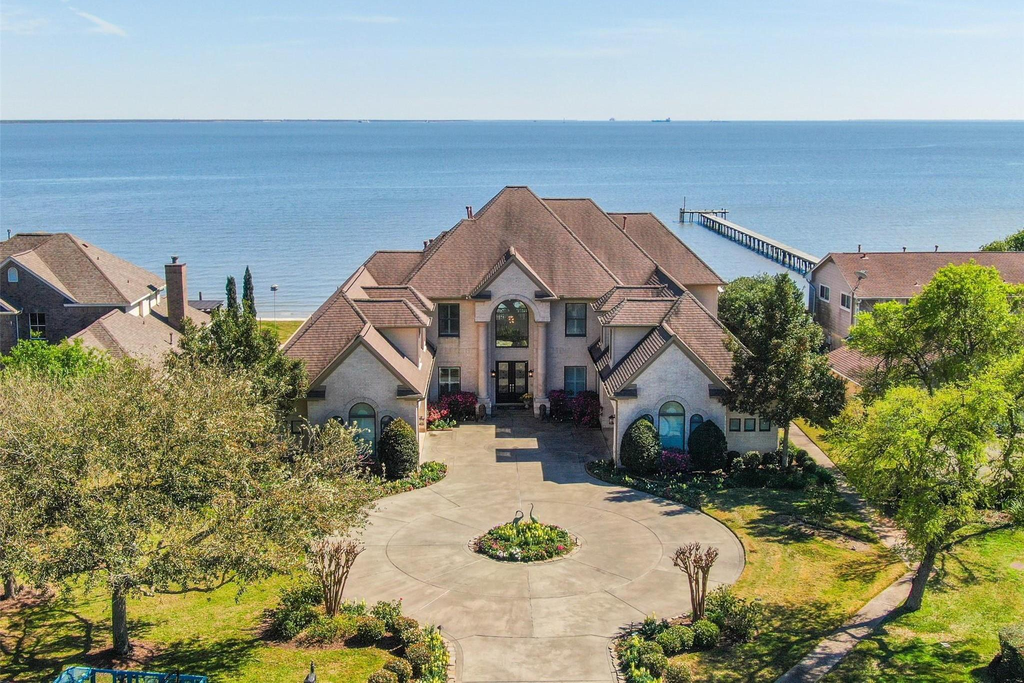 997 Sandy Court Property Photo - Morgan's Point, TX real estate listing