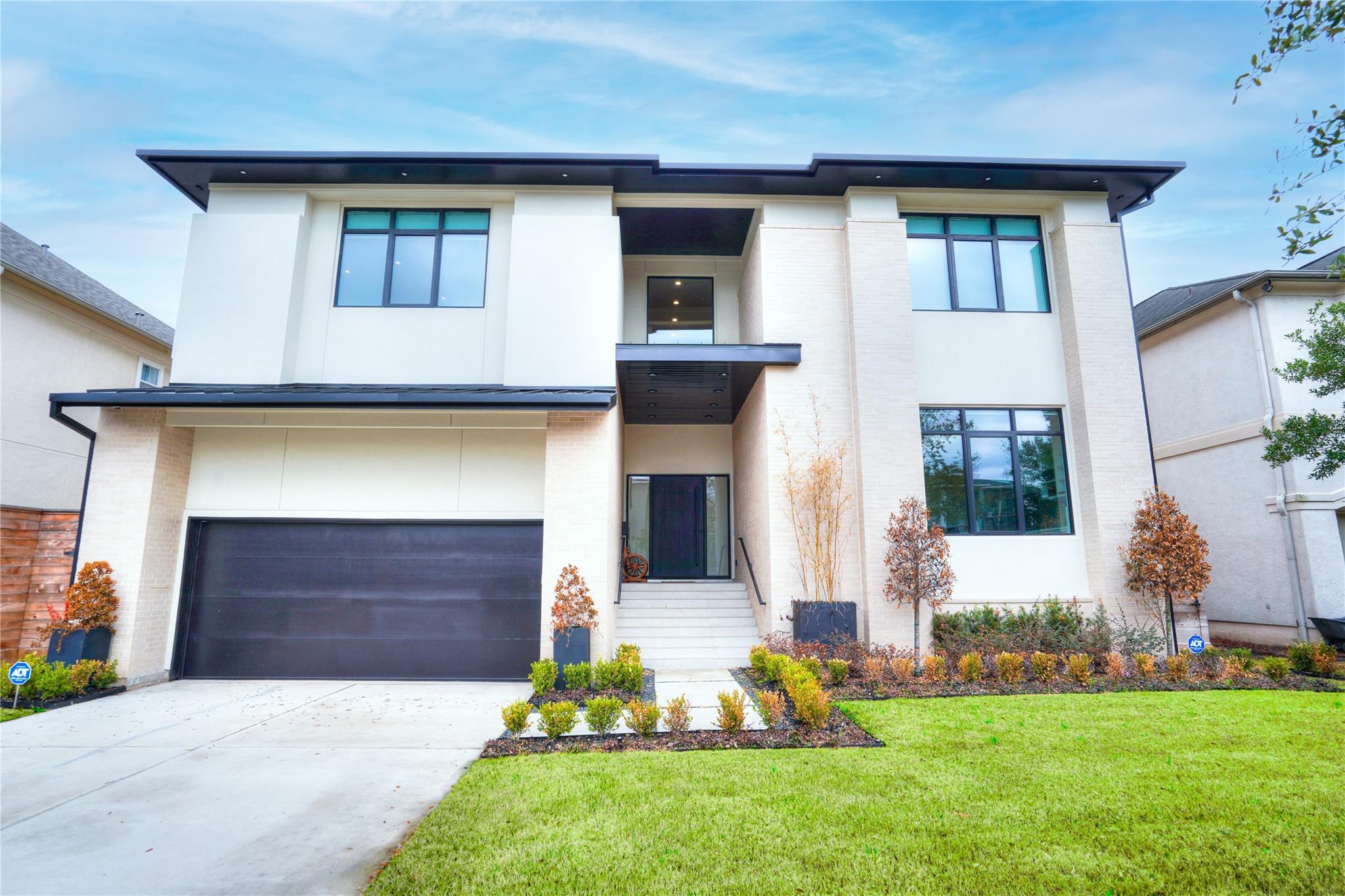 4530 Holt Street Property Photo