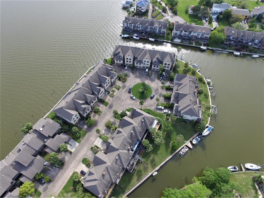 2731 Lighthouse Drive Property Photo - Nassau Bay, TX real estate listing