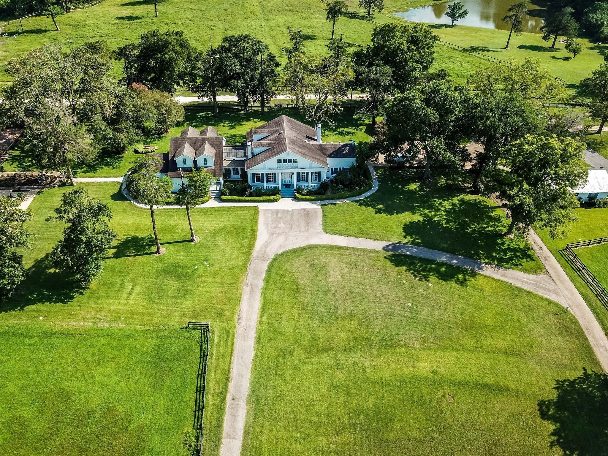 1901 W Navarro Road Property Photo - Crockett, TX real estate listing