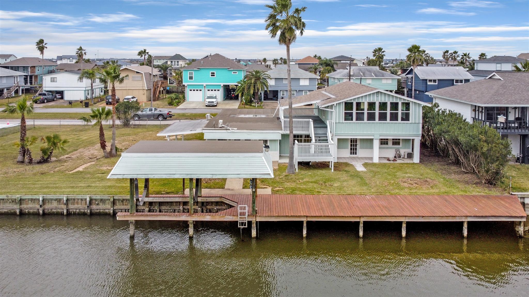 141 Tarpon Street Property Photo - Bayou Vista, TX real estate listing