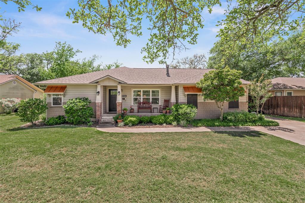 1022 Walton Drive Drive Property Photo - College Station, TX real estate listing