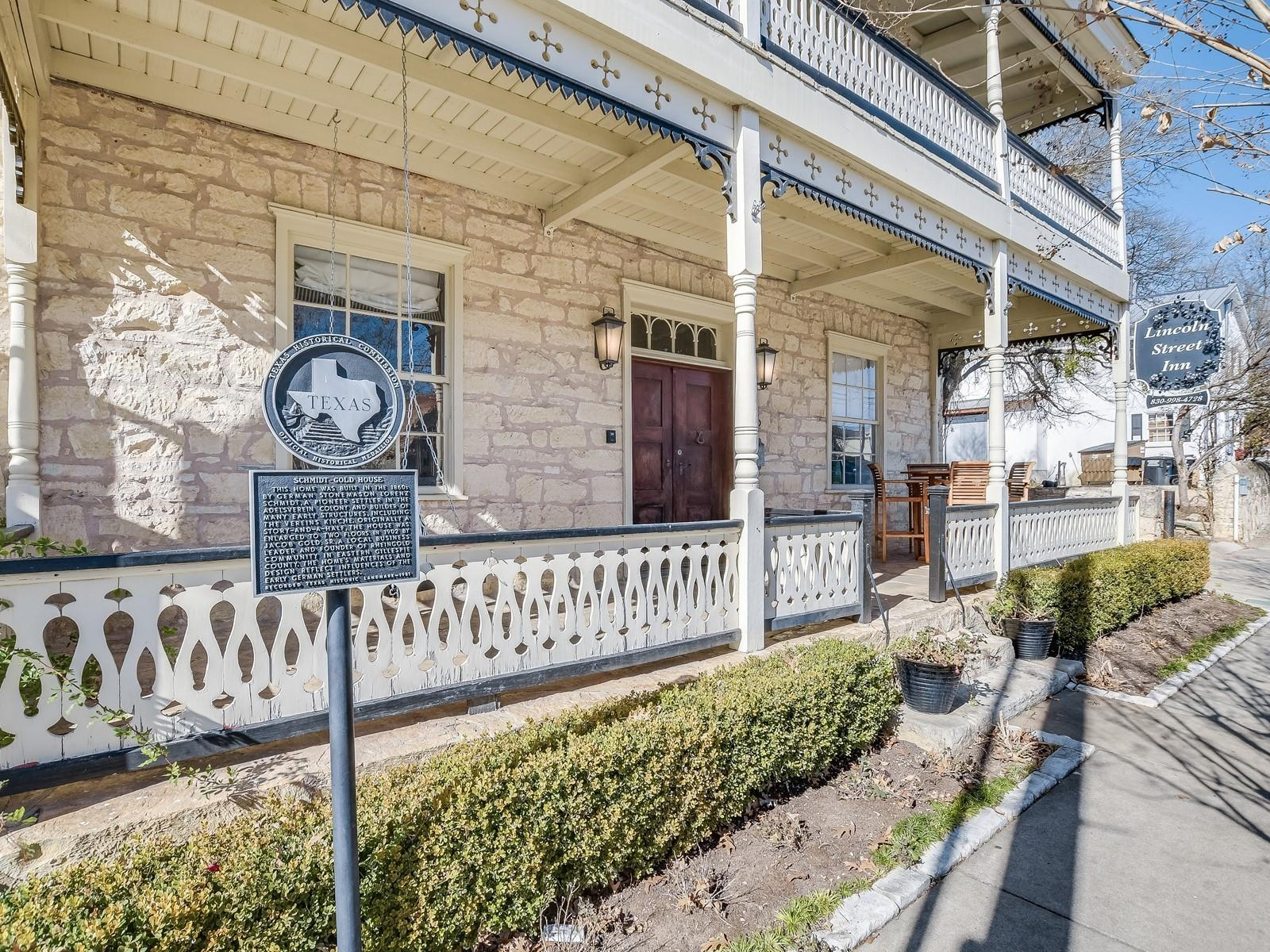 106 S Lincoln Street Property Photo - Fredericksburg, TX real estate listing
