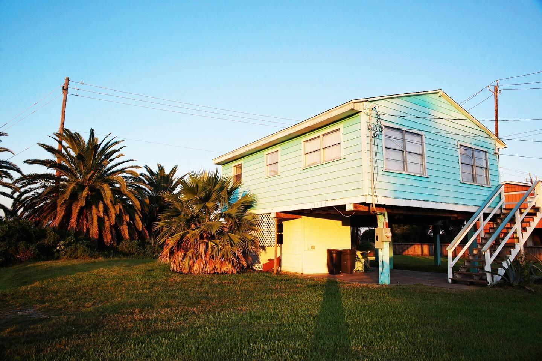 16503 Francis Drake Road Property Photo - Jamaica Beach, TX real estate listing