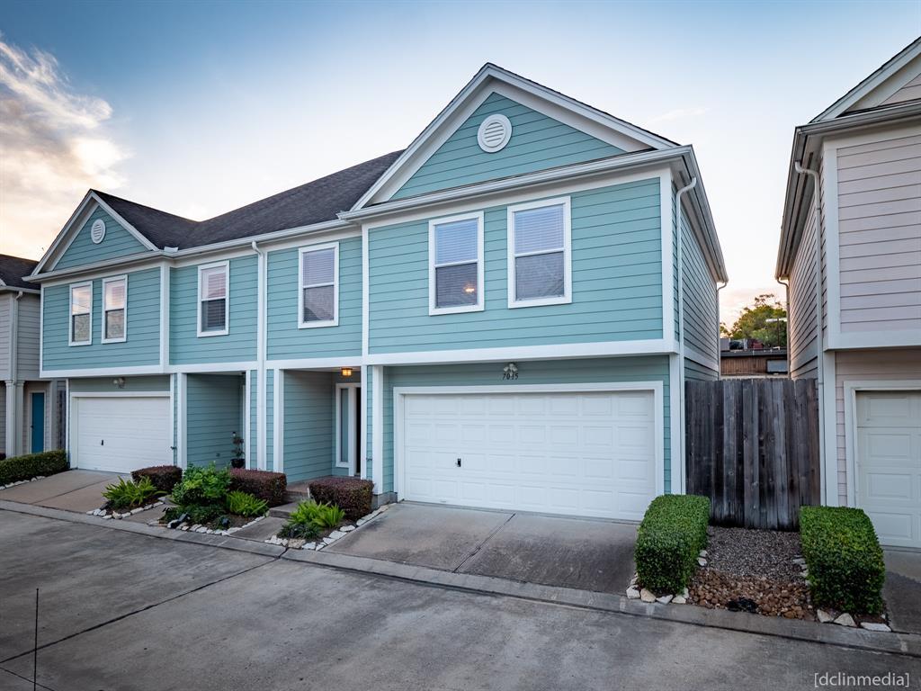7015 Woodridge Square Drive Property Photo