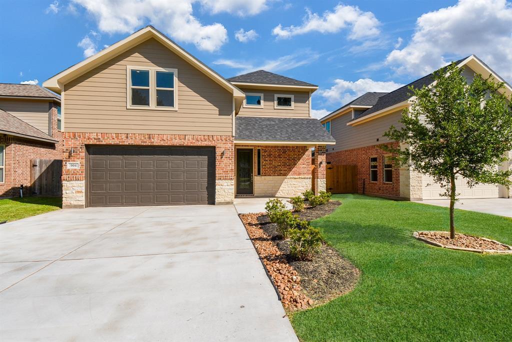 904 Roberts Street Property Photo - East Bernard, TX real estate listing