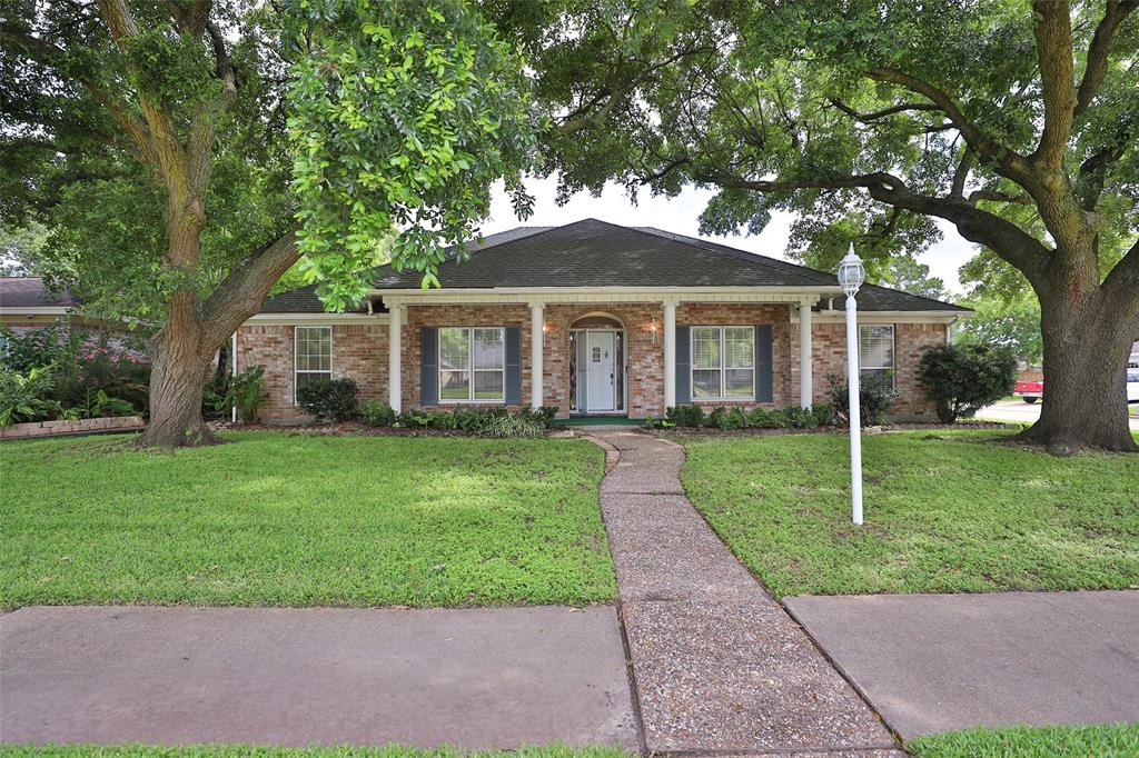 9302 Twin Hills Drive, Houston, TX 77031 - Houston, TX real estate listing