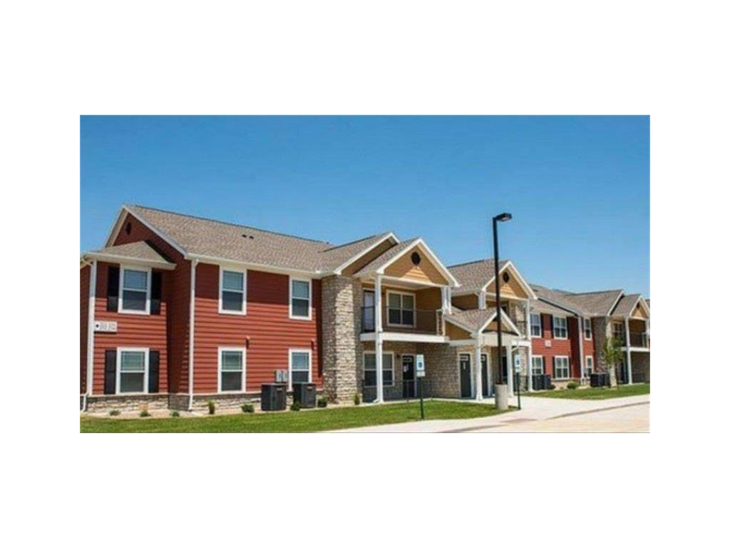900 W Monroe Street Property Photo - Washington, IA real estate listing
