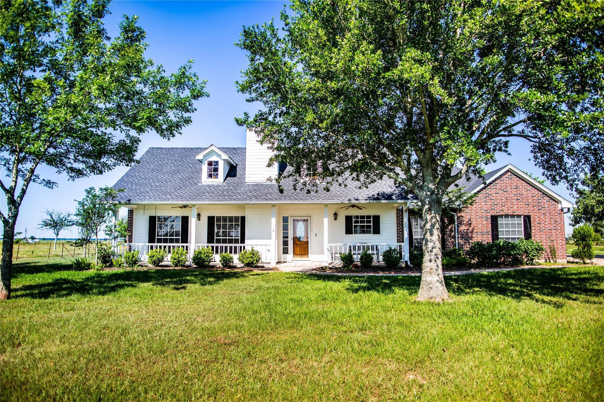 5227 County Road 264 Property Photo - East Bernard, TX real estate listing