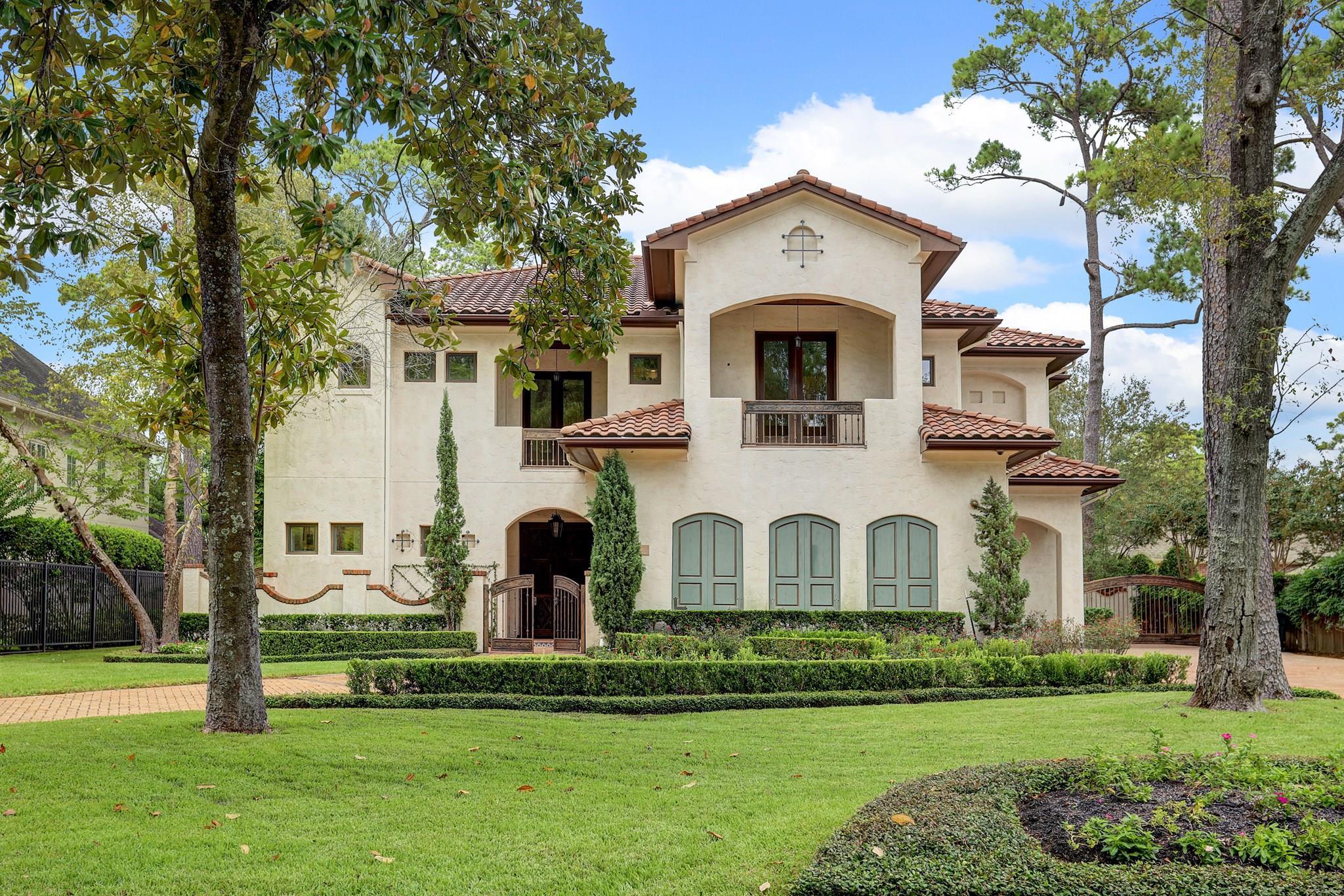 10822 Roaring Brook Lane Property Photo - Hunters Creek Village, TX real estate listing