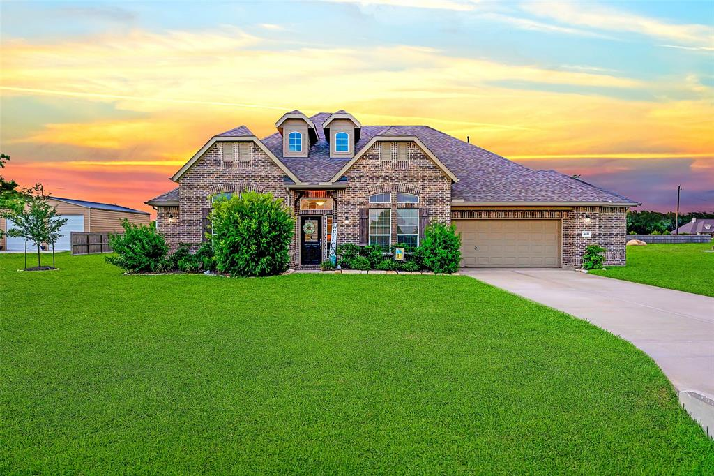 4651 Clearwater Drive Property Photo - Baytown, TX real estate listing