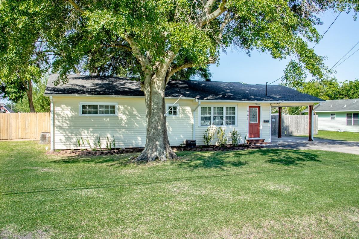 1318 Herring Avenue Property Photo