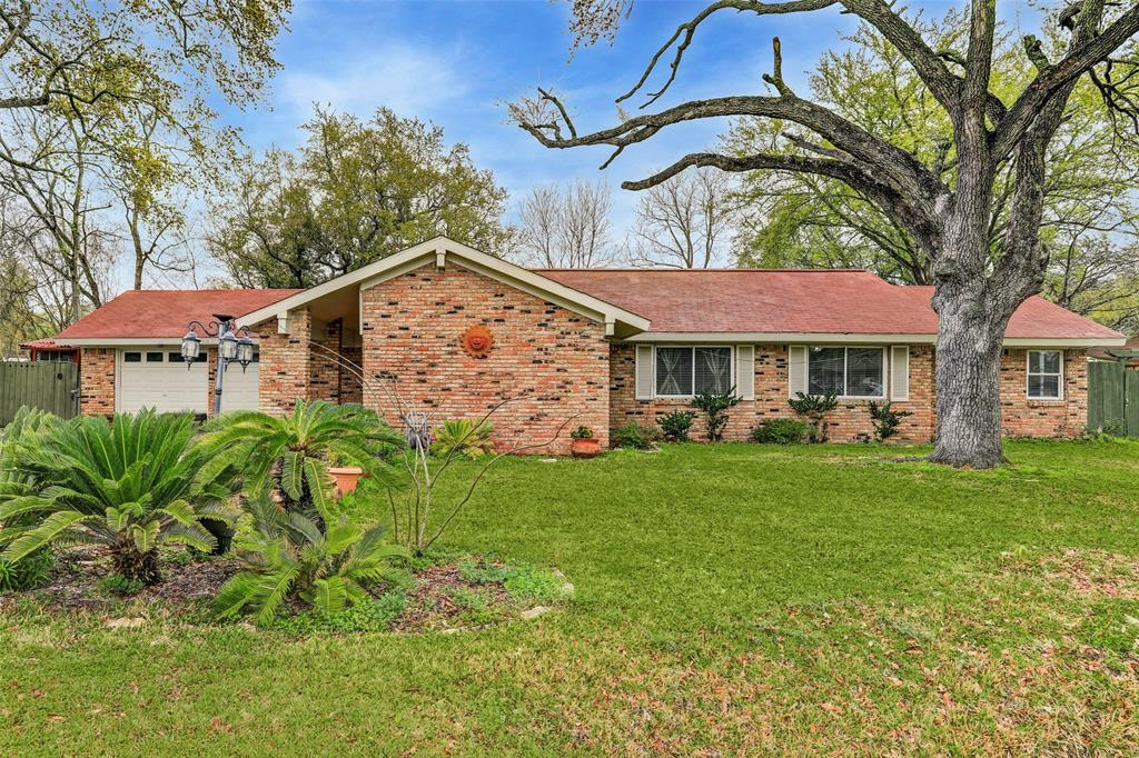 614 Meadowlawn Street, Shoreacres, TX 77571 - Shoreacres, TX real estate listing