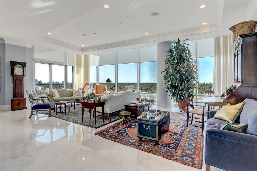 2727 Kirby Drive #14L Property Photo - Houston, TX real estate listing