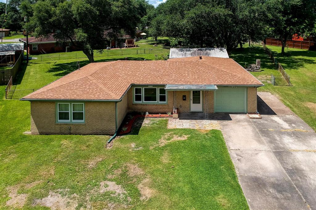 1222 Kirsten Street Property Photo - La Marque, TX real estate listing
