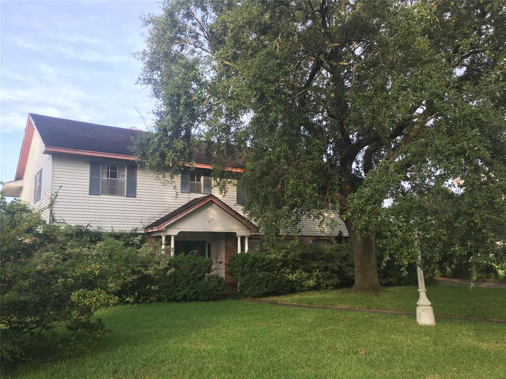 18702 Martinique Drive, Nassau Bay, TX 77058 - Nassau Bay, TX real estate listing