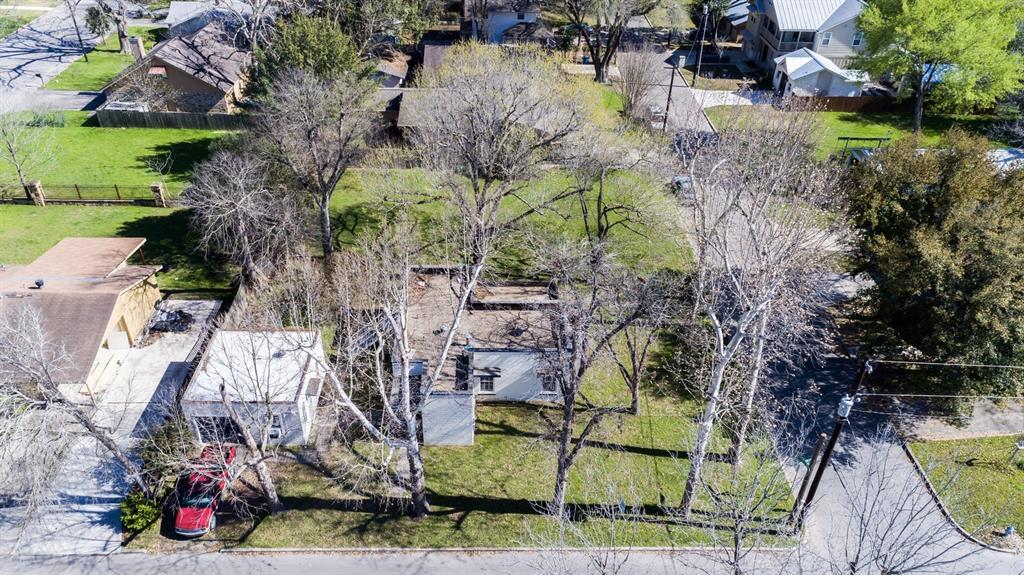 998 Hayselton Avenue, New Braunfels, TX 78130 - New Braunfels, TX real estate listing