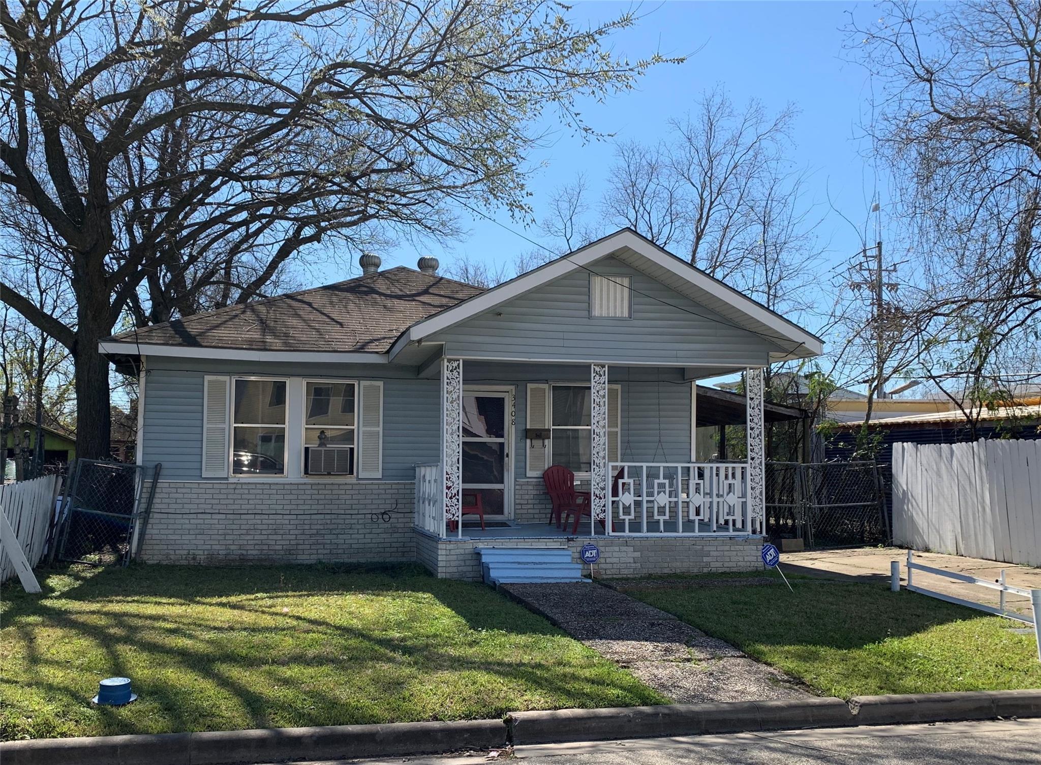 3408 Baer Street Property Photo