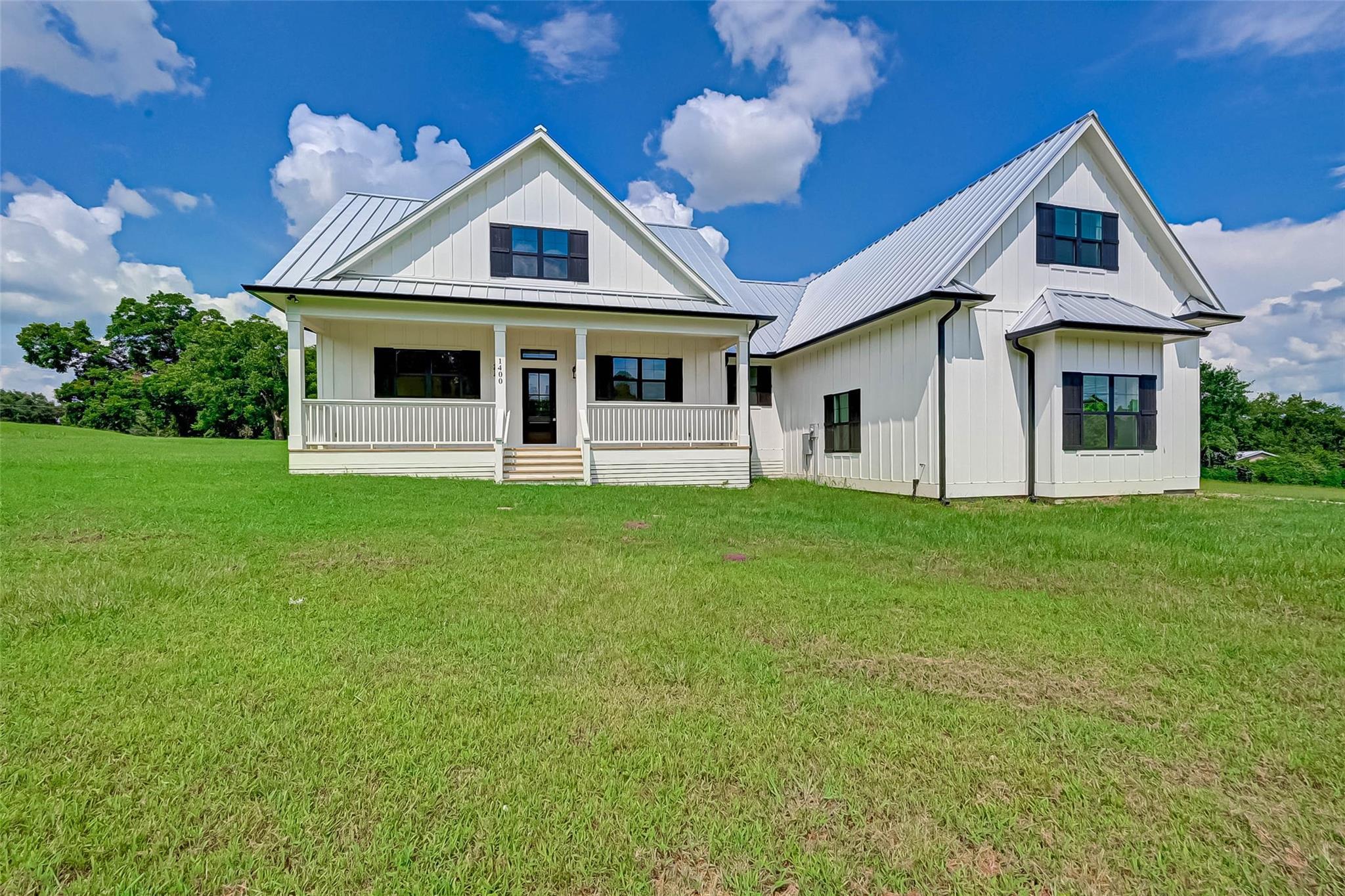 1400 Wyandotte Lane Property Photo 1