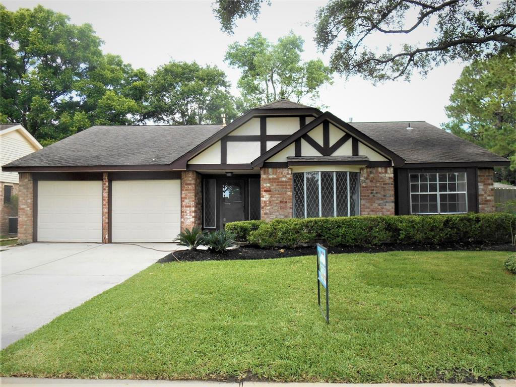 12242 MEADOWHOLLOW Drive Property Photo - Meadows Place, TX real estate listing