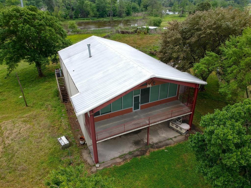 1502 Clear Lake Road Property Photo - Highlands, TX real estate listing