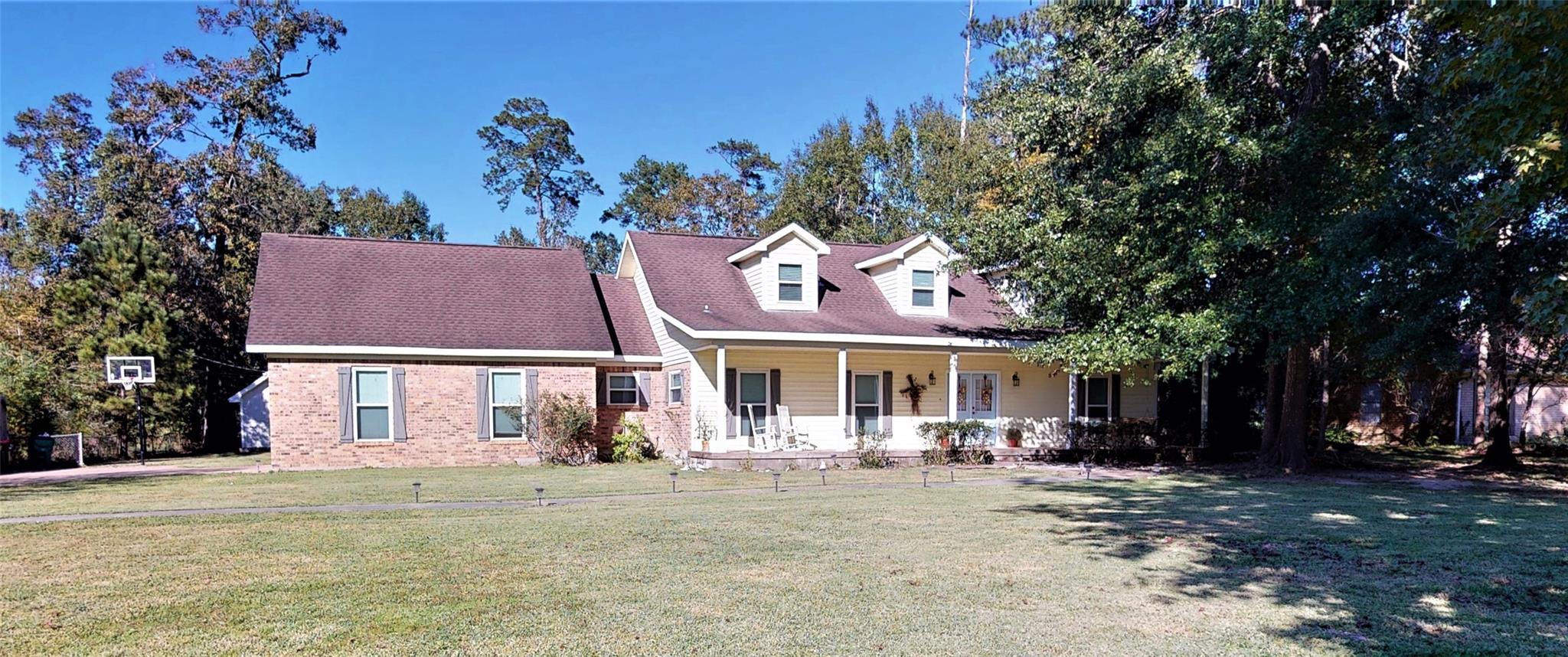 446 Piney Point Dr Drive Property Photo - Sour Lake, TX real estate listing