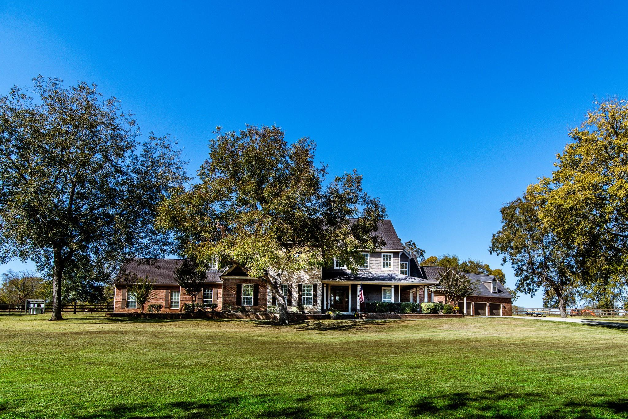 10724 Blackland Road Property Photo - Willis, TX real estate listing