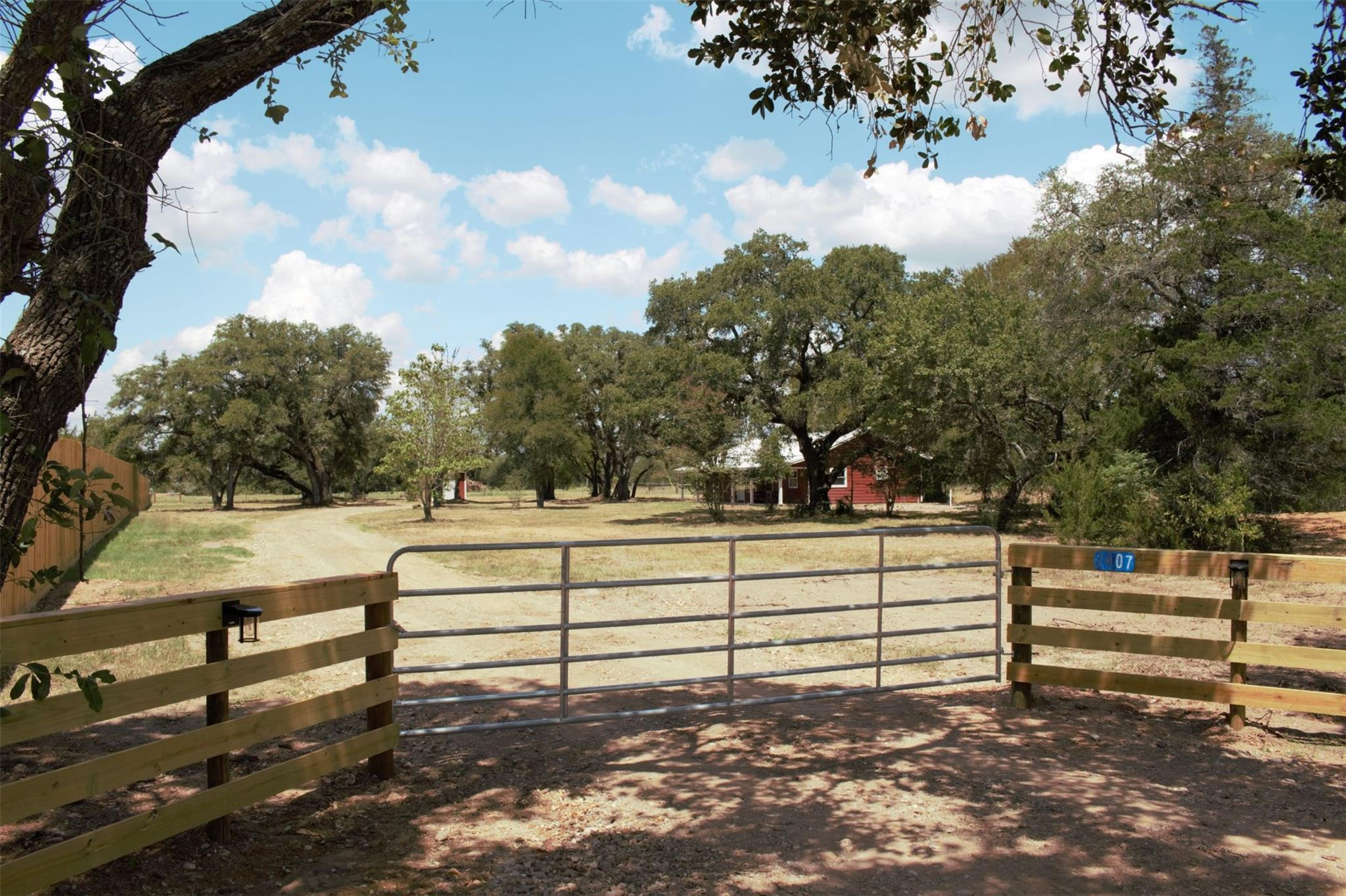 2407 E State Highway 159 Rek Hill Area Property Photo - Fayetteville, TX real estate listing