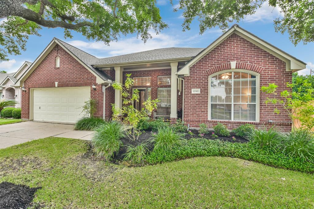 12302 Maple Leaf Lane Property Photo - Stafford, TX real estate listing